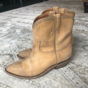 Frye - cowboy boots- tan distressed - 9